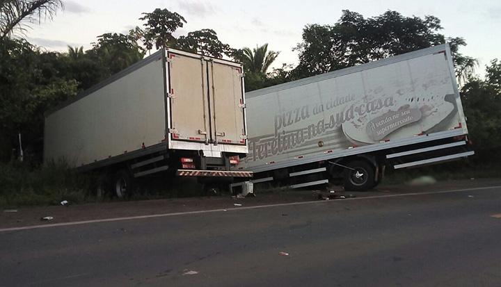 SANTA RITA/MA – Colisão entre três veículos deixa um morto e outro gravemente ferido