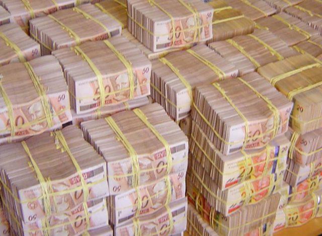 Na lista que receberia dinheiro para votar contra o impeachment de Dilma, estava um do Maranhão