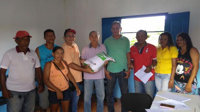 João Dominici entrega sementes de feijão e deve beneficiar quase 300 produtores em São João Batista
