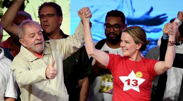 Gleisi Hoffmann é eleita presidente nacional do PT.
