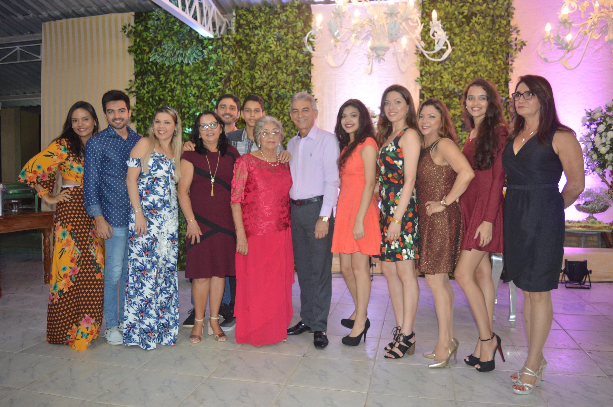 Nossa família em Festa. 90 Anos de Maria Vicência Rodrigues