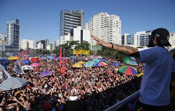 Com presença de artistas, protesto em São Paulo pede saída de Temer e eleições diretas