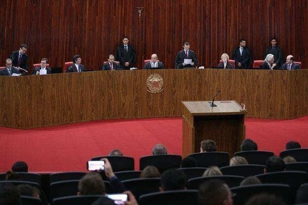 TSE: ministros votam após relator defender cassação da chapa Dilma-Temer