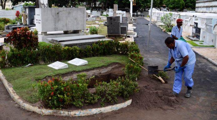 Homem reaparece em missa três meses após família fazer seu velório e sepultamento
