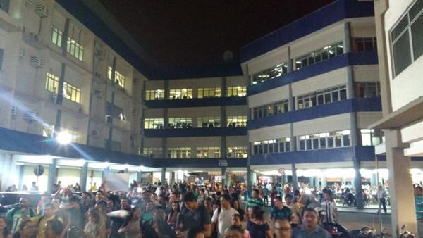 SÃO LUÍS/MA – Alunos revoltados fazem tumulto e apitação na Faculdade Pitágoras nesta sexta-feira(18)