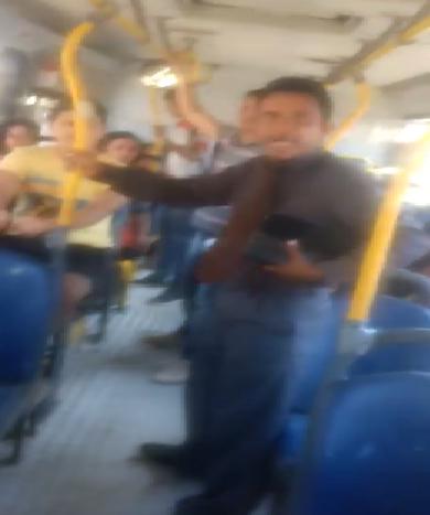 Pastor assedia homossexual dentro de ônibus e pede sexo oral