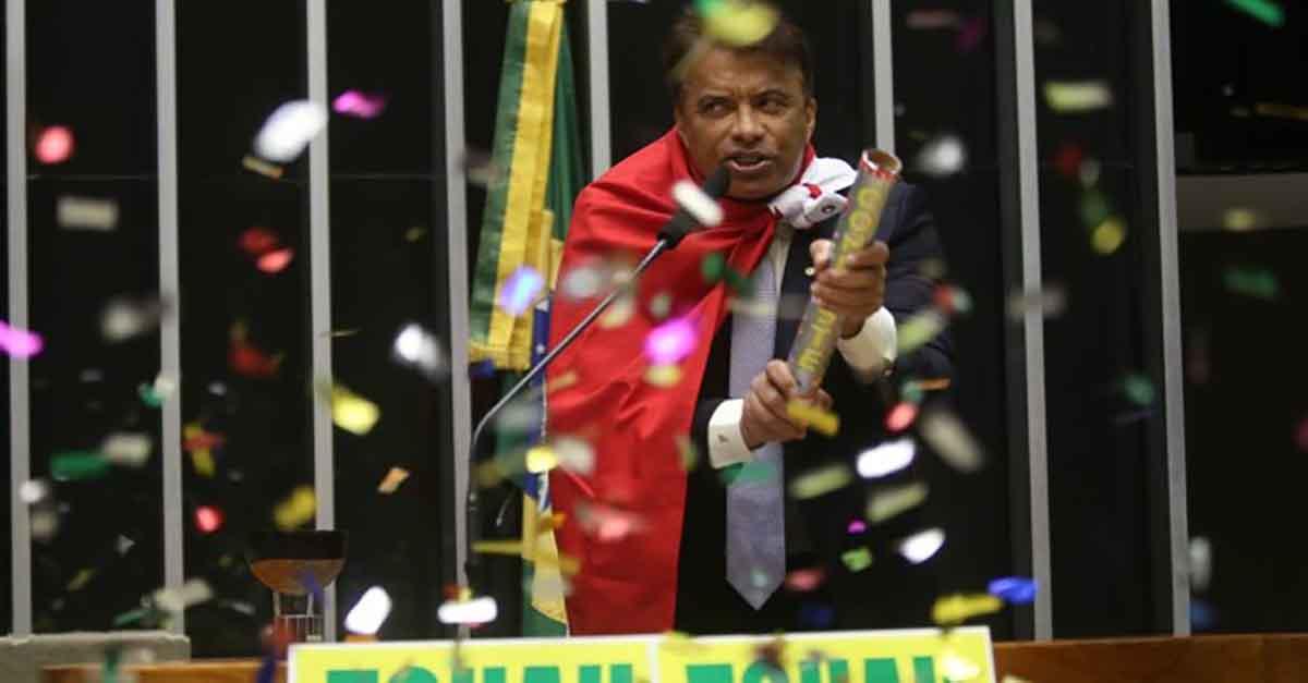 Dinheiro liberado por Temer para se salvar fazem a festa de deputados