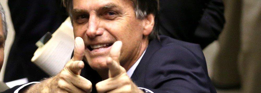 BOLSONARO PROMETE CORTAR A GRANA OFICIAL DA GLOBO