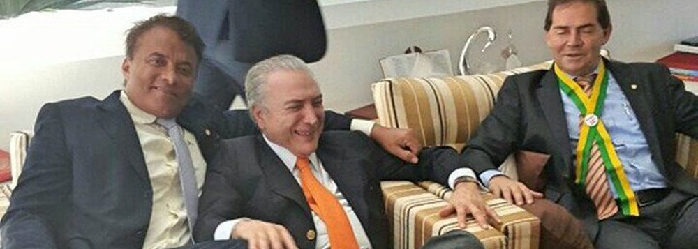 DEPUTADO QUE TATUOU TEMER NO BRAÇO É DENUNCIADO POR DESVIAR R$ 230 MIL