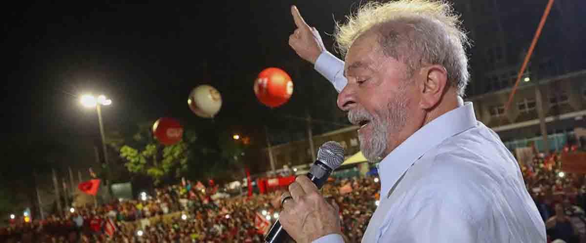 Com medo da multidão em apoio a Lula, juiz quer proibir manifestação em Porto Alegre