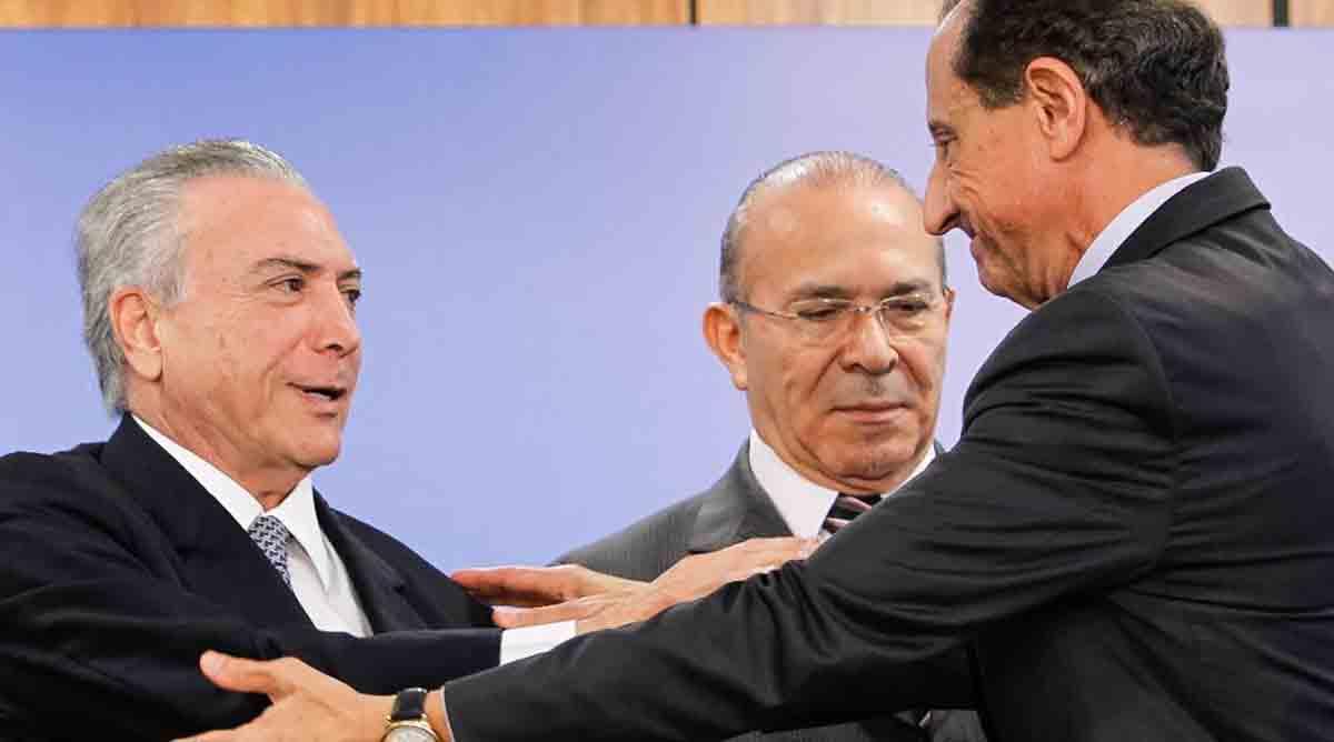 Temer perdoa impostos de empresas e país perde 9 bilhões de reais