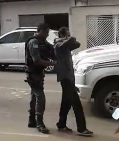 Bandidos tentam assaltar casa lotérica em Rosário, mas polícia chega a tempo; confira no vídeo