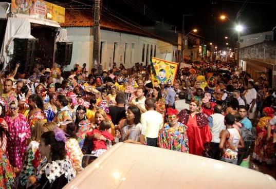 Assaltos a ônibus e arrastões marcam o final de semana carnavalesco em São Luís
