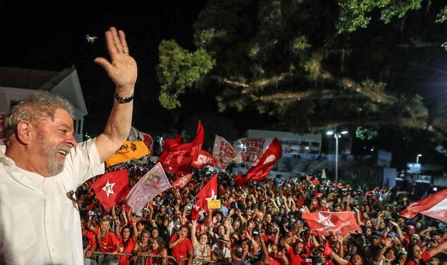TRF-4: Prisão de Lula só pode ocorrer após julgamento de todos os recursos