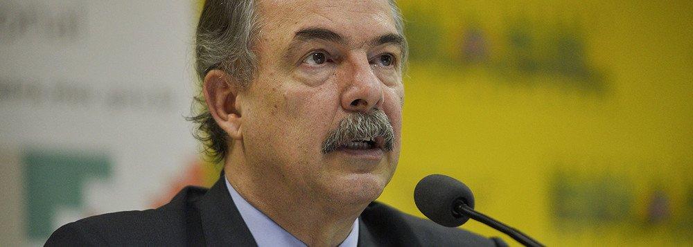 MERCADANTE SOBRE EMBRAER: O BRASIL PERDE SUA MAIOR EMPRESA DE TECNOLOGIA
