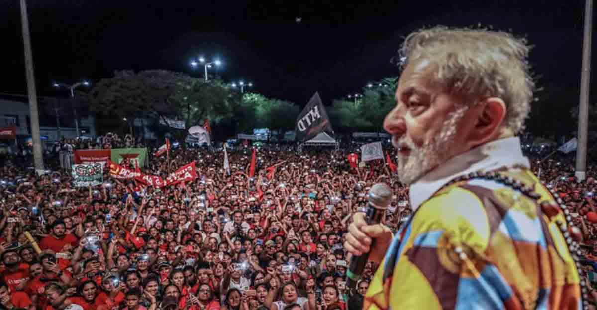 IPSOS: Aprovação de Lula chega a 42% mesmo com condenação