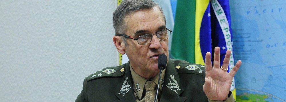 COMANDANTE DO EXÉRCITO É INTERNADO EM BRASÍLIA