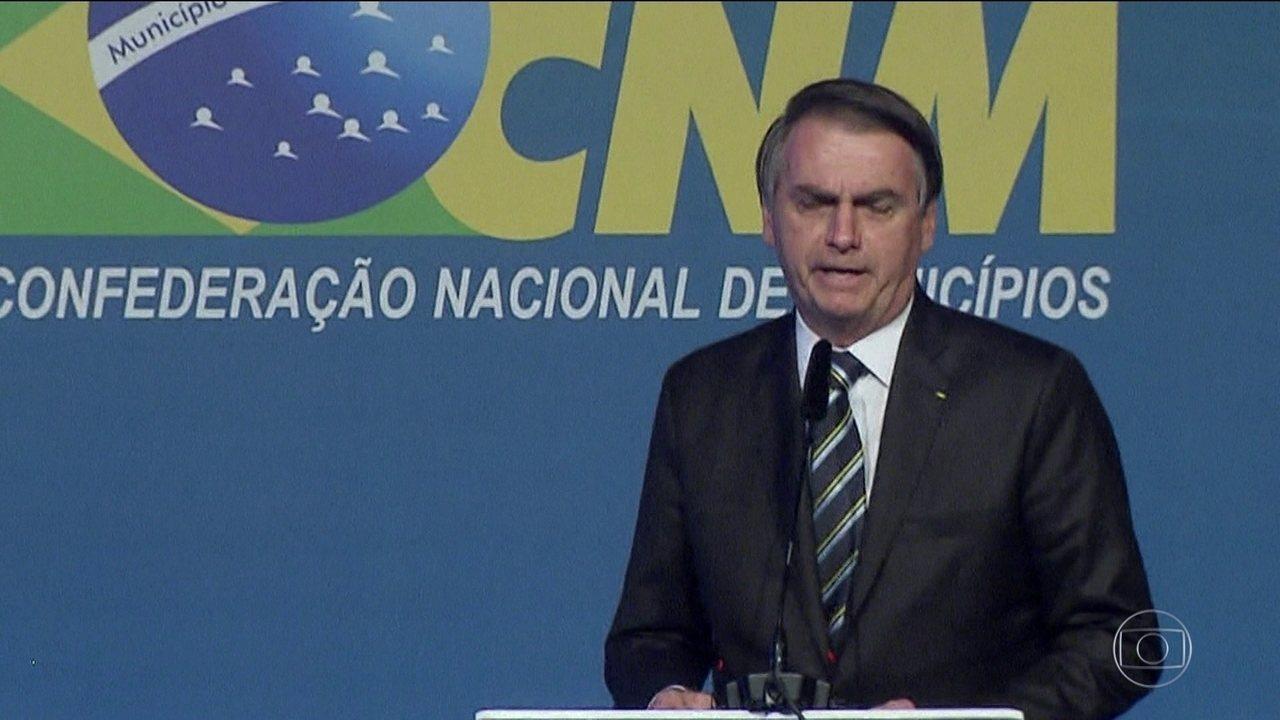 Prefeitos imploram em reunião para que Bolsonaro retome o Minha Casa Minha Vida, criado por Lula