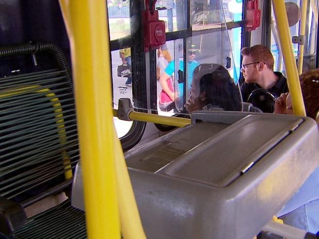 São Luis/MA – Prefeitura faz experiência com ônibus semi-urbano sem cobrador