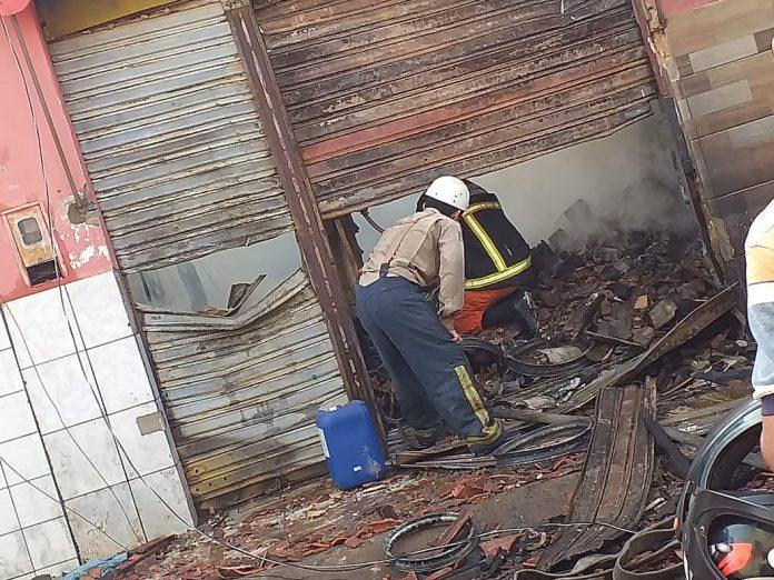 Coroatá/MA – Oficina de moto pega fogo no centro da cidade