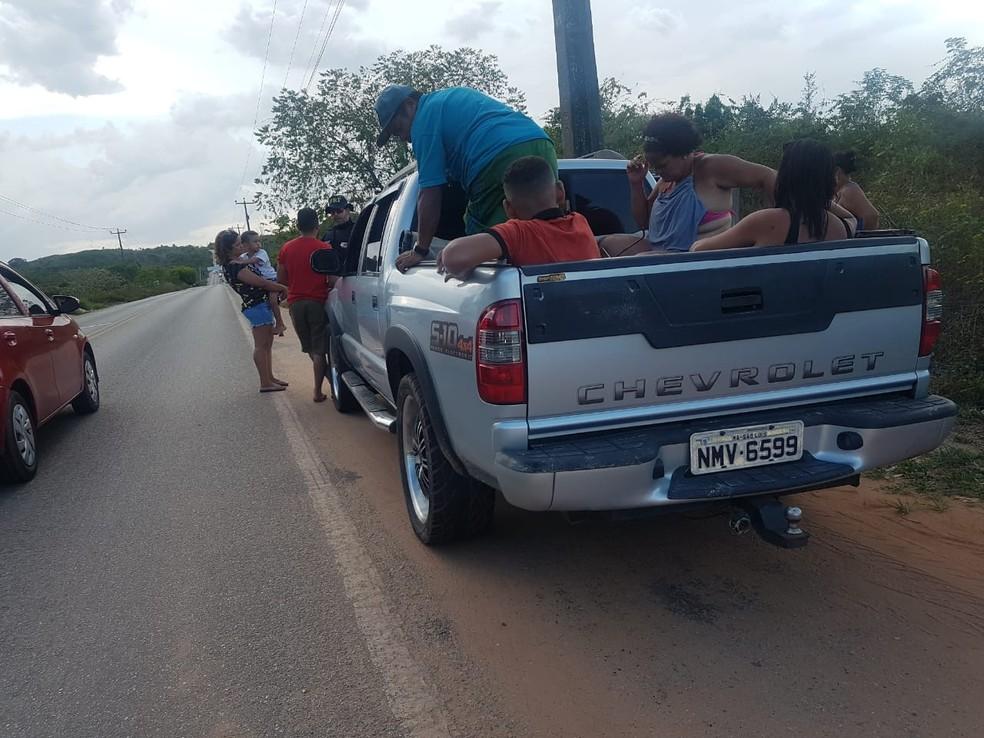 Morros/MA – PRF flagra veículo com 13 ocupantes na BR-402