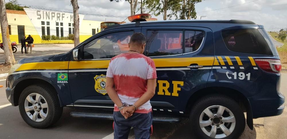 São Luís/MA – PRF detém motociclista com mandado de prisão em aberto na BR-135
