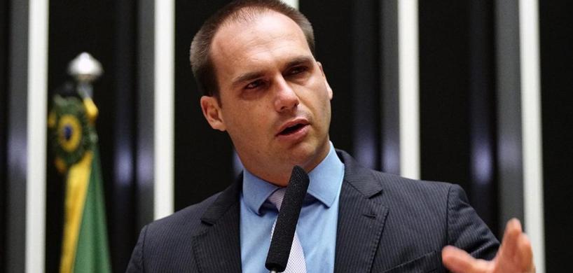 Eduardo Bolsonaro afirma que só não há guerra civil porque a direita não quer