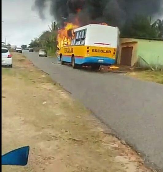 São José de Ribamar/MA – Ônibus pega fogo na estrada do Panaquatira nesta quarta